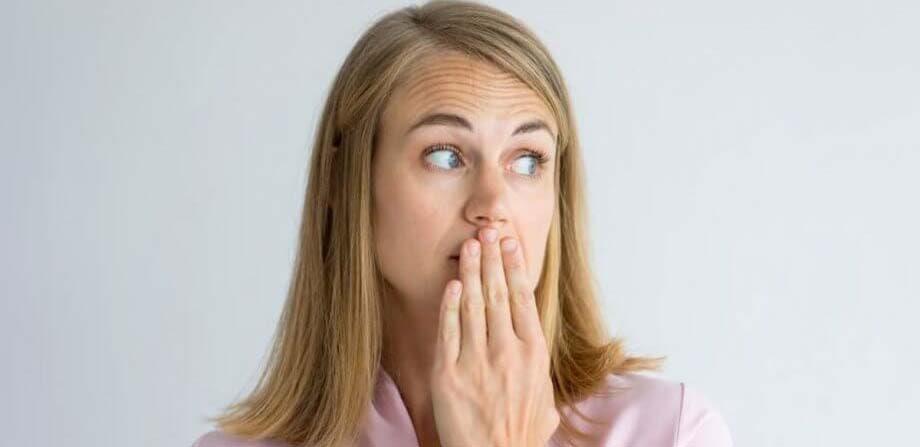 رفع بوی بد دهان با مسواک Self Reliance