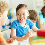 10 راه آسان برای علاقمند کردن کودکان به مدرسه