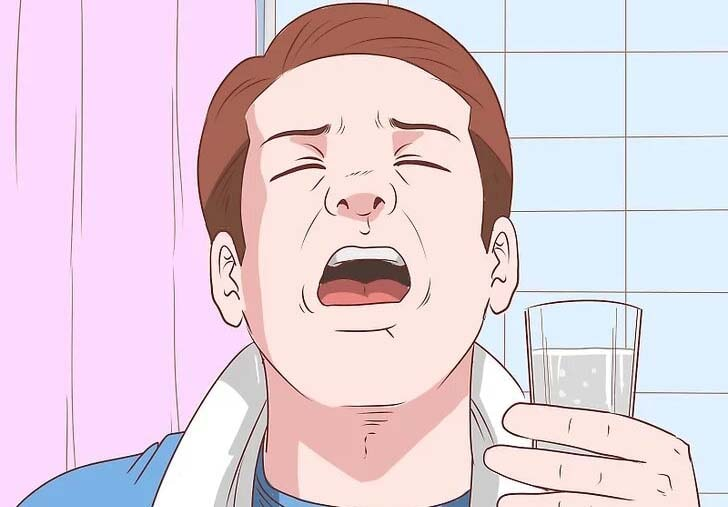غرغره آب نمک